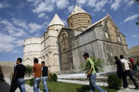 IRAN-ARMENIA-RELIGION